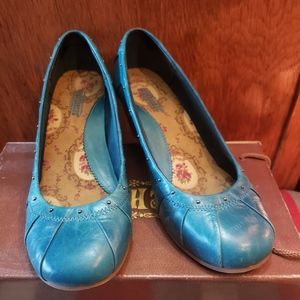 Blue leather wedge heal Seychelles size 8 like new